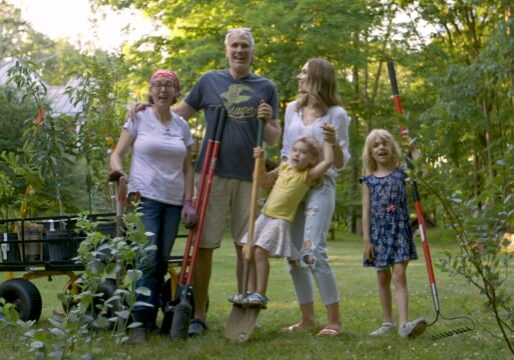 """""""The Family That Plants Together"""" – Pilot, Episode 1"""